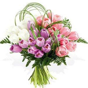 http://grand-flora.ru/dostavka_cvetov_piter